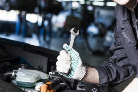 【社宅あり!軽作業!整備は少なめ】音響機器会社でのラベル張りと自動車整備(RS-C-460)