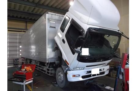 【愛知県知立市】土日祝休み♪自分の判断でお仕事できる! 大型トラックの整備☆